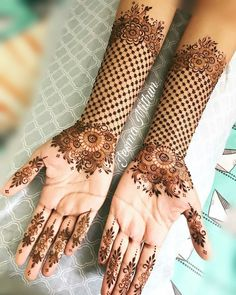 Explore latest Mehndi Designs images in 2019 on Happy Shappy. Mehendi design is also known as the heena design or henna patterns worldwide. We are here with the best mehndi designs images from worldwide. Henna Hand Designs, Dulhan Mehndi Designs, Mehendi, New Bridal Mehndi Designs, Mehndi Designs For Beginners, Modern Mehndi Designs, Mehndi Design Pictures, Beautiful Henna Designs, Latest Mehndi Designs