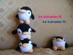 Pingüinos Amigurumi - Patrón Gratis en Español aquí: http://kekukadas.blogspot.com.es/2009/10/pinguinos.html