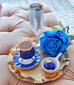 Good Morning Inspiration, Good Morning Photos, Pantry Design, Turkish Coffee, Chocolate Coffee, High Tea, Milkshake, Happy Friday, Tea Time