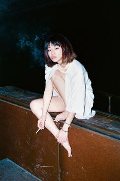 Coeval Magazine diary relating monographic visual stories, gathering selected artists which reflect a distinctive imaginary through art, photography and fashion. Human Poses Reference, Pose Reference Photo, Art Poses, Drawing Poses, Aesthetic Japan, Aesthetic Girl, Yuri Girl, Japonese Girl, Foto Top