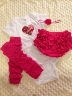 Baby girl valentines outfit size 18 months by bellapiaclothingco, $25.00