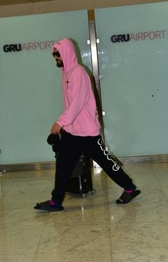My honey Jared at the airport ✈️💖 Shannon Leto, Jared Leto, Sporty, Athletic, Jackets, 30 Seconds, Mars, Honey, Style