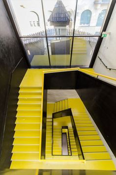 Graphic yellow staircase