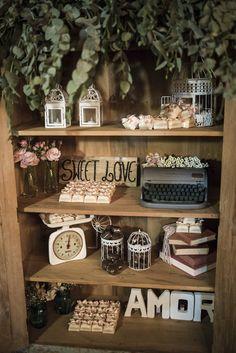 Mini Wedding super charmoso que aconteceu no Condomínio Aldeia da Praia, em Guaparari. A decoração é da Mel Pitanga Eventos e está linda de viver! Confiram: