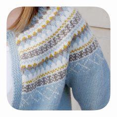 Bilderesultat for gretekofte Fair Isle Knitting, Baby Knitting, Norwegian Knitting, Icelandic Sweaters, Knit Cardigan Pattern, Nordic Sweater, How To Purl Knit, Knitting Accessories, Knitting Patterns