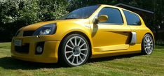 - Original Renault Clio V6 PH2 Body Kit (Type UK#119)