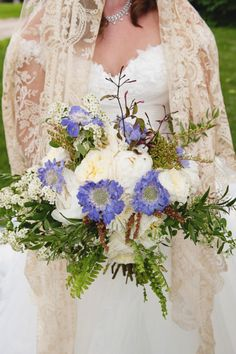 Ivory and purple #weddingbouquet #bouquet