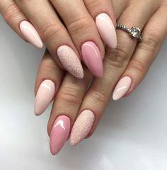 Colores diferentes en las uñas ¡FAN! •