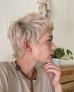 Mullet Haircut, Mullet Hairstyle, One Length Haircuts, Short Haircuts, Cut Own Hair, Buzzed Hair, Short Choppy Hair, Textured Haircut, Edgy Hair