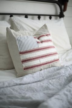 farmhouse style pillow cover tutorial fourth of July