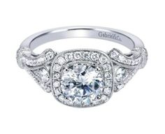 An engagement ring so lovely it'll make you swoon.