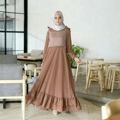Jb NASYA MAXY C05 Harga 98.000 Bahan balotelly mix supernova Ukuran all size fit to L Informasi dan pemesanan hubungi kami SMS/WA +628129936504 atau www.ummigallery.com Happy shopping #jilbab #jilbabbaru #jilbabpesta #jilbabmodern #jilbabsyari #jilbabmurah #jilbabonline #hijab #Kerudung #jilbabinstan #Khimar #jilbabterbaru #jilbab2018 #jilbabkeren #jilbabmodis #bajumuslim #gamis #syari #maxidress #maxi #atasanwanita #atasanmuslim Modern Hijab Fashion, Muslim Women Fashion, Arab Fashion, Trend Fashion, Islamic Fashion, Dress Brokat Muslim, Muslim Gown, Muslim Long Dress, Hijab Dress Party