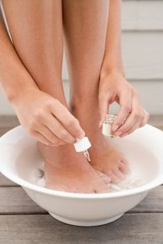 POWER OF VINEGAR FOR FEET :: Soaking feet in vinegar (apple cider being best) is a great remedy for many problems like toenail fungus, dry feet, tired feet, etc. This vinegar foot soak will help feet be soft and supple.