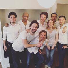 Photo d'équipe chez #myCowork ! On pousse les tables et on sourit. #parité? #ostheo  #coworking #montorgueil #Paris www.mycowork.fr