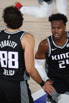 Somewhere in the last few spots in the Western conference rankings will you find the Sacramento Kings, still struggling. If the title feels off to you, it's only because the Sacramento Kings are owned by an Indian, Vivek Ranadivé. Spurs Game, Chris Paul, Ncaa Tournament, Anthony Davis, Sacramento Kings, Western Conference, Basketball Association, Nba News, Virginia Tech