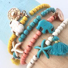 Shop de kralen van turquoise keramiek voor fashionable sieraden van natuurlijke kwaliteit via de link in onze bio  #betaalbarekralen #kralen #kralengroothandel #groothandel #shop #shopping #online #onlineshop #linkinbio #beads #pearls #jewels #jewelry #jewellery #jewelrygram #jewelrylover #jewelrymaking #jewelleryoftheday #pretty #fashion #fashionjewelry #armband #armparty #armcandy