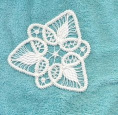 Romanian Point Lace Tutorial... such a great, detailed, step-by-step tutorial. Never tried RPL before, but this tut has inspired me to attempt my first !