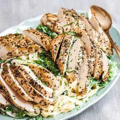 Örtstekt kyckling med krämig mascarponepasta - Recept - Tasteline.com