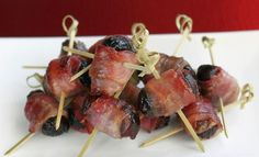 This traditional Polish appetizer recipe for prunes wrapped in bacon (śliwki w boczku) is fast, easy and delicious and requires only three ingredients.