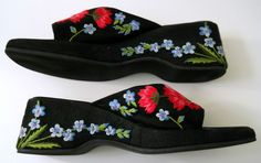 Beverly Feldman Black Shoes Embroidered Flowers Opened Toe Womens 8.5 AA #BeverlyFeldman #OpenToed