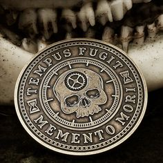 The Carpe Diem coin. And EDC item to remind you to seize the day, because time is fleeting. Memento Vivere, Carpe Diem, Memento Mori Coin, Momento Mori Tattoo, Hannya Tattoo, Filipino Tattoos, Marquesan Tattoos, Skeleton Watches, Challenge Coins