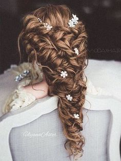 Ulyana Aster Long Bridal Hairstyles for Wedding_12 ❤ See More: http://www.deerpearlflowers.com/long-wedding-hairstyleswe-absolutely-adore/