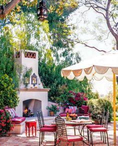 COTE DE TEXAS: Nancy Meyers Comes Home Again