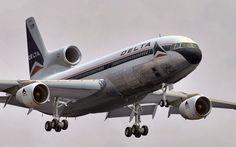 Delta Airlines 1979 L10-11 landing DFW