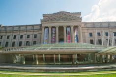 Established and themed exhibits rotate throughout the year; the public amphitheater entrance makes for a popular people-watching and lunch hour gathering spot. Judy Chicago, Prospect Heights, Popular People, Old Art, Art Museum, Four Square, Entrance, Brooklyn, The Neighbourhood