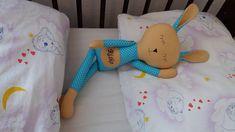 Spinkáčik v tyrkysovom pyžamku