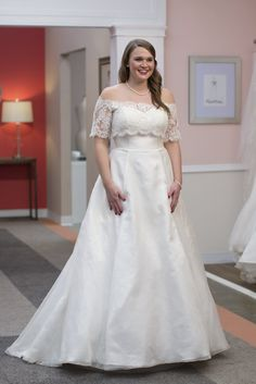 Did You See The Looks From Last Week S Episode Of On Bride Kaitlin Went With Flowing A Line Ella Grace Dress For Maximum Dance Ability Heidi Elnora