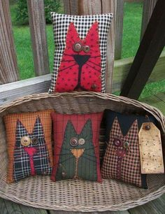 Diy Pillows Cat 38 Super Ideas – Famous Last Words Fabric Art, Fabric Crafts, Sewing Crafts, Sewing Projects, Scrap Wood Crafts, Primitive Fall, Primitive Crafts, Primitive Snowmen, Primitive Christmas