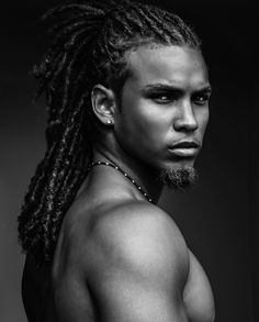 Rock your natural curls with confidence with some help from any of these afro hairstyles for men. be it a retro afro or a modern version or many others! Fine Black Men, Gorgeous Black Men, Handsome Black Men, Beautiful Men, Beautiful People, Handsome Man, Natural Hair Styles, Long Hair Styles, Dreadlock Hairstyles