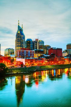 Another Saturday shopping day in one of my favorite cities ever! Nashville---you never disappoint! Time for a little Louis Vuitton love and quite possibly adding some Draper James to the collection