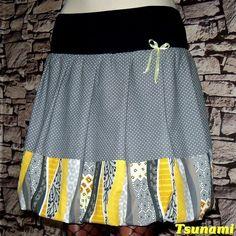 PuntiEthnic+Balónová+sukně+s+pružným+lemem+Materiál:+dvojitý,+černý,+pružný+lem.Sukně+je+z+bavlněných+látek,+s+ethnic+vzorem+-+dovoz+Francie+++šedé+bavlny+s+bílými+puntíčky.+Mašlička+saténová.+Rozměry+cca:+celková+délka+46cm,+z+toho+lem+je+vysoký+9,5cm.+Vhodná+pro+boky+do+100cm.+Rozměr+boků,+které+uvádím+v+popisu+je:+nejširší+místo+kolkolem+zadečku....