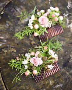 Magnifiques peignes fleuris