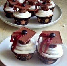 Graduation cupcakes via @Pam Clark