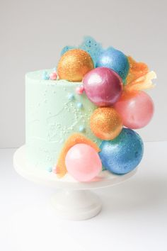 Pop, pop, fizz, fizz! You'll look like a cake decorating whiz with these quick & surprisingly easy gelatin bubbles. Learn how to make them here!