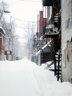 a typical montreal alley <3