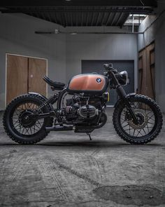 Browse many of my most desired builds - modified scrambler hybrids like Cafe Bike, Cafe Racer Bikes, Cafe Racer Motorcycle, Motorcycle Gear, Cafe Moto, Vintage Cafe Racer, Vintage Bikes, K100 Bmw, Motorcycle Equipment