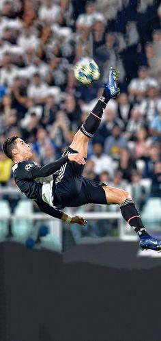 The best Cristiano Ronaldo Wallpapers for Phone. Cristiano Ronaldo Portugal, Cristiano Ronaldo Juventus, Juventus Fc, Zinedine Zidane, Christano Ronaldo, Ronaldo Football, Cr7 Messi, Lionel Messi, Cr7 Wallpapers