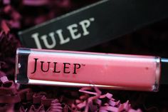"""Full Size lipgloss in """"Glowing"""""""