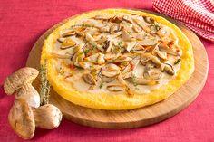 Pizza di polenta con funghi e parmigiano