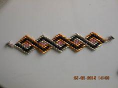 DIY-Tutorial- Ro- Bratara in zig-zag cu 4 culori de twinbeads