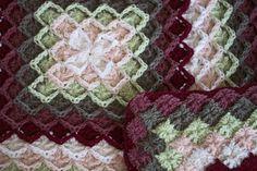 Bavarian crochet.  Tutorial at http://www.youtube.com/watch?v=x745ZeNbVFM