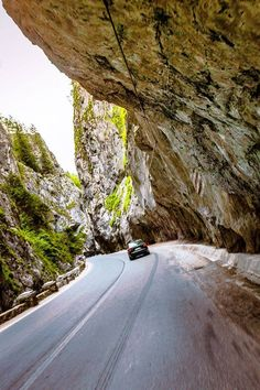 Cheile Bicazului.  Bicaz Gorges - Hășmaș National Park - România  Photo: Otilia Hariga(640×960) Turism Romania, Visit Romania, Romania Travel, Beautiful Places To Visit, Places To See, Danube Delta, Transylvania Romania, Dangerous Roads, What A Wonderful World