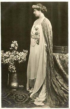 Marie in the Vladimir sapphire tiara Princess Alexandra, Princess Beatrice, Royal Crowns, Royal Jewels, Princess Victoria, Queen Victoria, Michael I Of Romania, Maud Of Wales, Romanian Royal Family