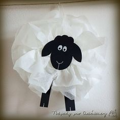 Ovečka z ubrousků Farm Themed Party, Timmy Time, Lion And Lamb, Sheep Crafts, Bible Crafts For Kids, Paper Animals, Spring Projects, Toy Story Party, Paper Gifts