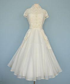 Vintage 1940s Wedding Dress...Beautiful GOTHE Ivory Lace and Chiffon Tea Length Wedding Dress