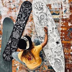 boardstix- boardstix Take inspiration from the amazingly talented (insta) – her drawings and artwork are insane. Express who you are on what you ride. Get your Boardstix Board Pens from our Beach Boutique - Surfboard Art, Skateboard Art, Surfboard Painting, Skateboard Design, Tenacious D, Pop Art, Beach Boutique, Surfer Girl Style, California Surf